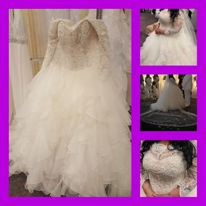 David's Bridal wedding dress size 18